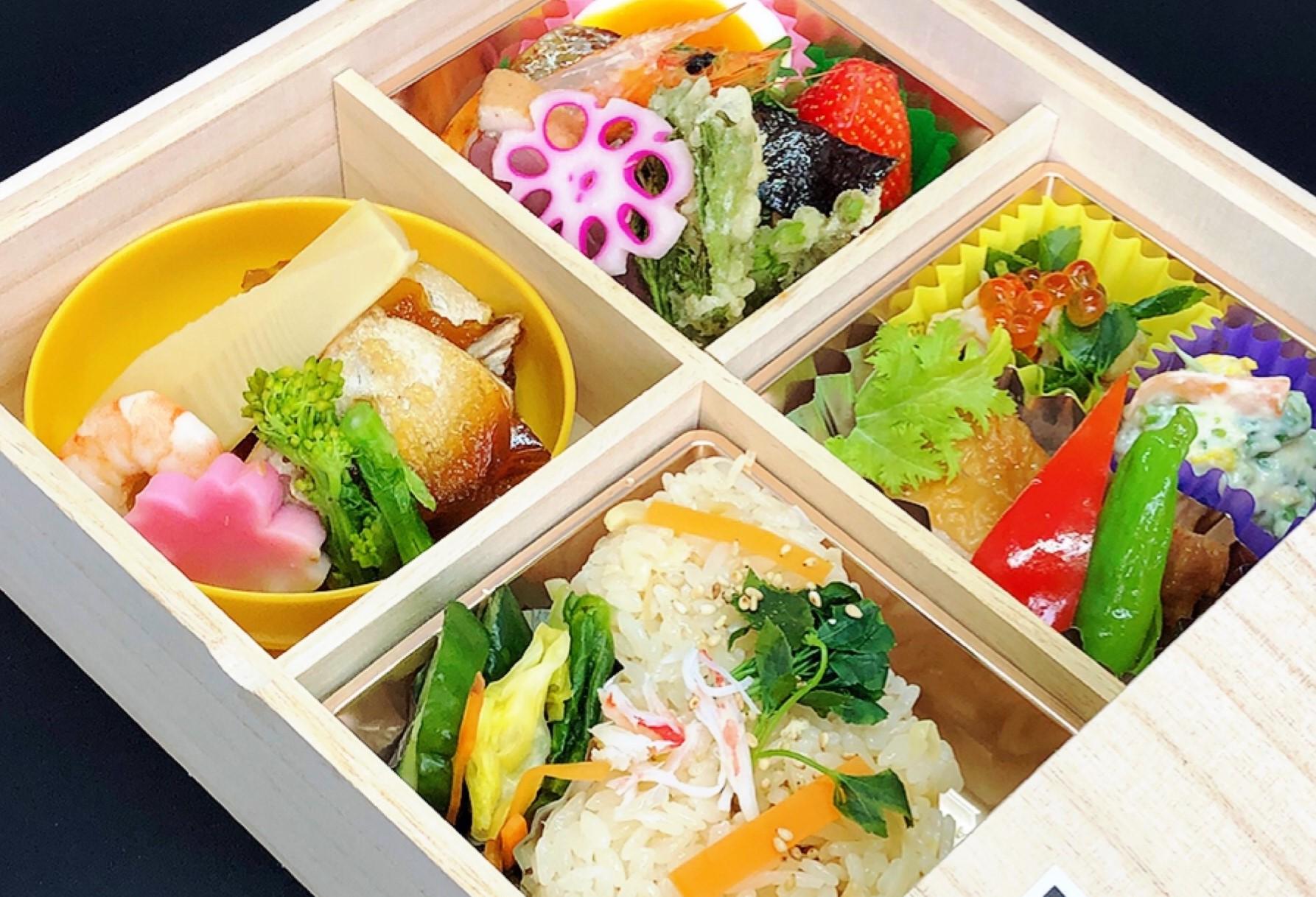 亀松閣のお弁当を、ご家庭・職場へお届けいたします。